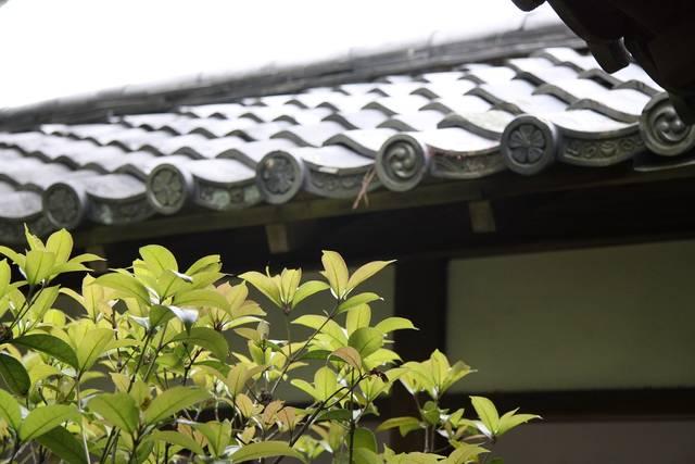 桜模様の瓦