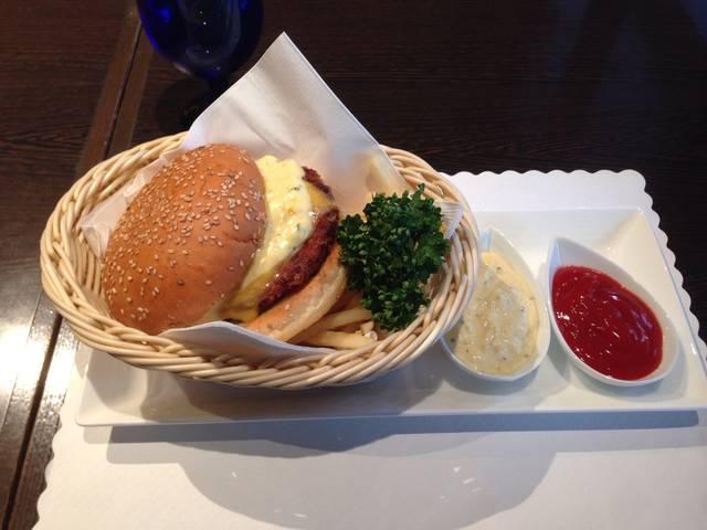 フィッシュバーガー(¥1730)