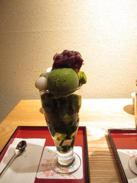 抹茶シフォンパフェ¥1080