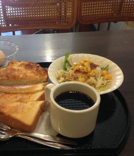 トーストモーニング¥490(ゆで卵+55)