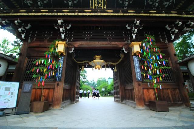 楼門の七夕飾り