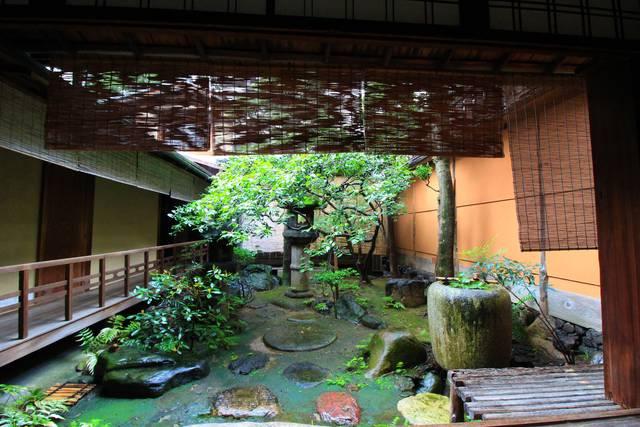 奥庭(陽の庭)