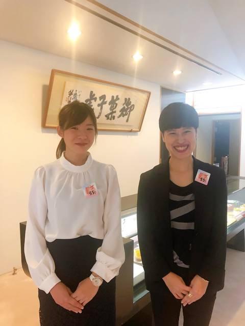 向かって左、商品企画部の福井さん、右は広報担当の佐藤さん
