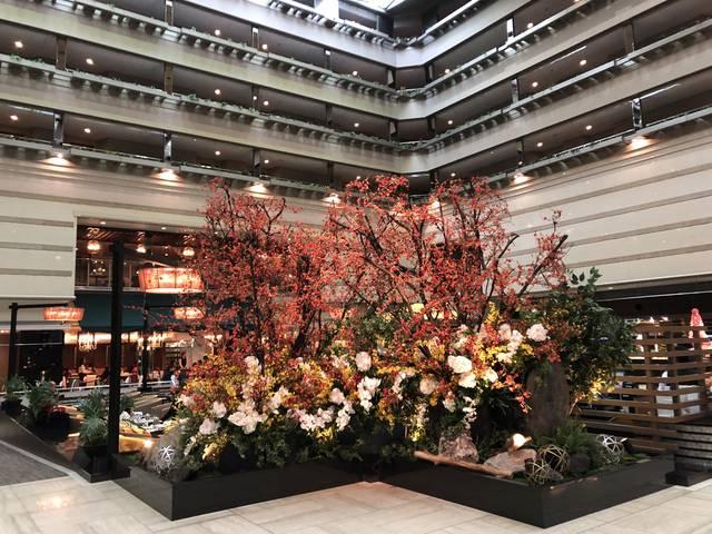 今は梅の花が来客をもてなします