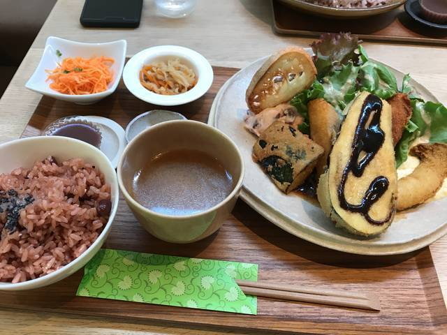 20品目の野菜ランチ1,250円(税別)
