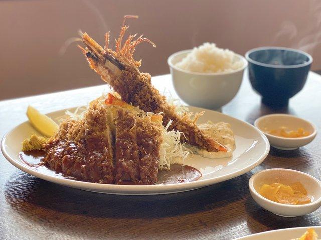海老フライ(小)とロースとんかつ定食・1,610円