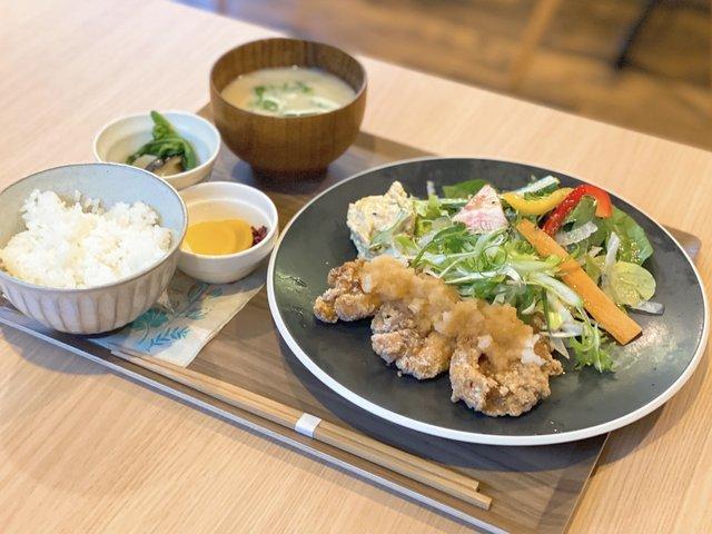 京赤地鶏のおろしポン酢からあげ(1,150円)